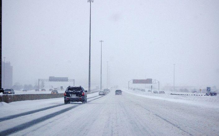 1024px-Snowy_Highway_401